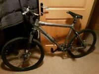 Giant XTC SE large 21 inch frame mountain bike