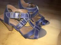 NEW M&S Footglove sandals size 3 1/2