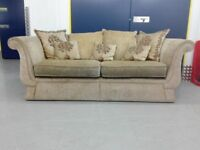 Unique vintage cottage 3 seater fabric sofa settee in very good condition / free delivery