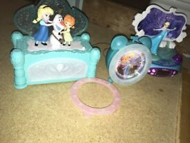 Frozen bundle! Keyboard, Musical jewellery box, clock, radio and new jigsaw