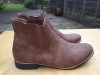 Brown Boohoo Women's Boots - Size 5