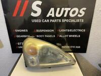 Suzuki Liana Front lights