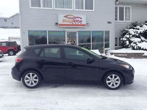 2011 Mazda MAZDA3 CLEAN WELL APPOINTED H/B