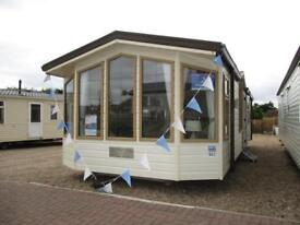 Lovely caravan / holiday home for sale! *No pitch fees until 2019* Clacton on Sea - Essex