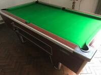 Pool table - brand new cloth - can deliver