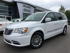 2016 Chrysler Town & Country Touring L Pwr.Sliding Doors|Heated  Peterborough Peterborough Area image 9