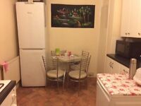 Single room £400 month all bills included