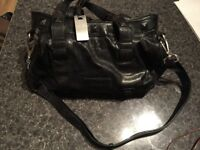 CALVIN KLEIN BAG ONLY 8!!!! NO REAL LEATHER SIZE CM 25X35