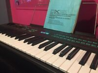 Yamaha DX21 DX 21 Synth Keyboard synthesizer Synthesiser excellent condition