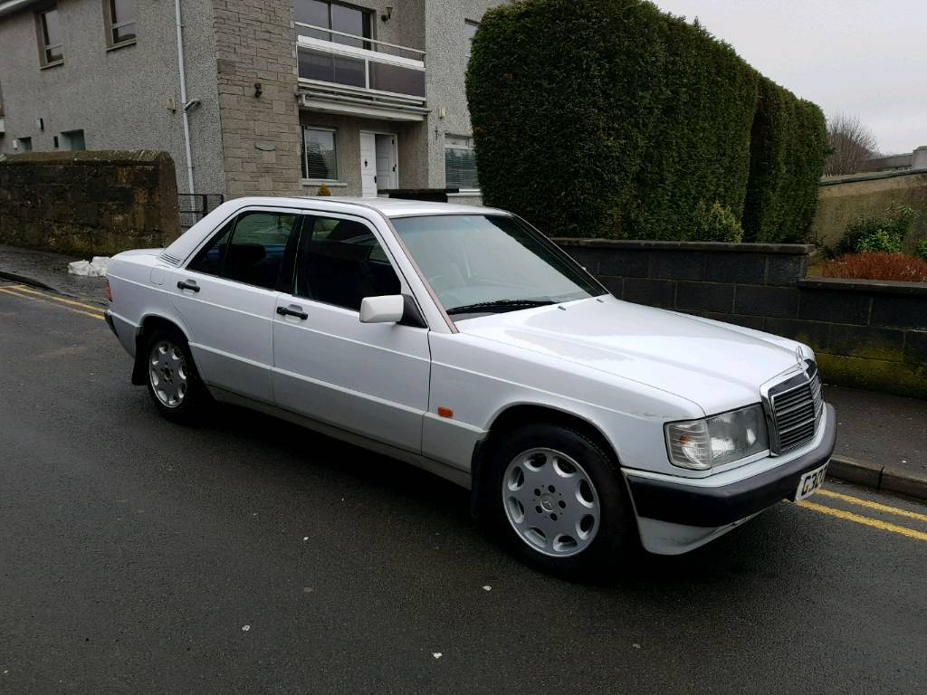 Mercedes Benz 190e 2.0 Litre Automatic classic car low miles with Full service history and years MOT
