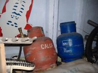 x2 calor gas bottles x1 blue x1 red with blow trouch