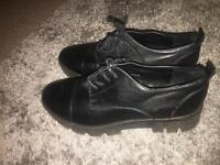 Work shoes size 5.5