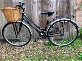 """Great city bicycle • 16"""" / 41 cm Frame • Perfect size for short person • Wicker Basket"""