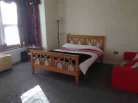 Kingsize bedroom available All bills inclusive