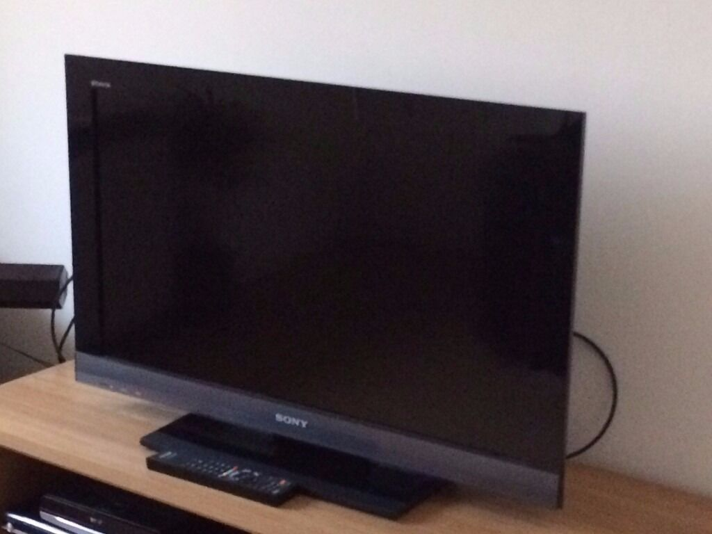 Sony Bravia 32 Inch LCD TV 32EX403 With Table Top Stand