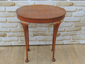 Tall brown side table (Delivery)