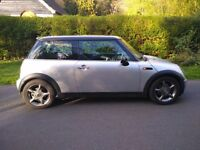 MINI COOPER/ LOW MILES ***59k*** ONLY/ DRIVES EXCELLENT !