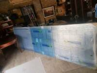 Multiwall polycarbonate sheets and snap Dow bars