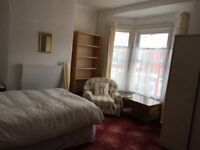 *student only* beautiful double room. £75 pw including all bills, 5 min walk to bus routes and shops