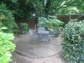 Lovely raised ground floor 1 bedroomed floor garden flat. Set with 4 minutes walk(approx) of Highgat