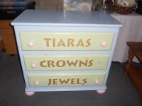 Drawers set of 3 ideal for child's bedroom