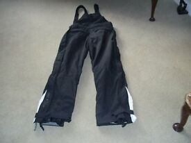 """Ski trousers, Salopettes and 2 thermal 1/4"""" zipped jumpers & accessories - see photos"""