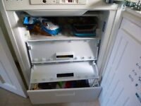 INDESIT under counter / integrated freezer .