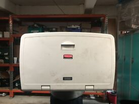 Rubbermaid Baby changing unit