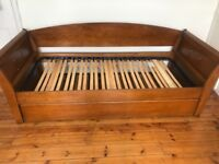 Beautiful HARRODS solid Mahogany Sleigh trundle bed (with pull out single underneath!)
