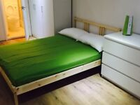 Double en-suite room 5 min walk to Newham Hospital and NewVic college