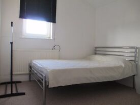 DOUBLE ROOM TO LET * All INCLUSIVE * £420pcm * BRUCE STREET *SN2 2EW