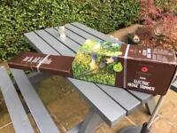 New Dobbies 520w electric hedge trimmer