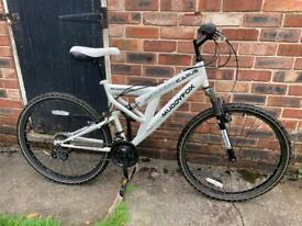 "Muddy Fox Icarus Bike 18"" frame 26"" wheels"