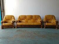 OAK FRAMED ITALIAN LEATHER LOUNGE SUITE 3 WITH DRAWERS 3 SEATER SOFA / SETTEE & 2 CHAIRS CAN DELIVER