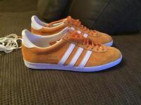 Adidas Gazelle trainers, U.K. Size 9
