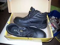 steel toe cap work boots size 12 brand new
