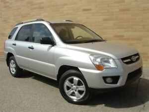 2009 Kia Sportage LX 4X4. Loaded! 5 Speed!
