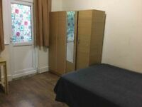 Double room perfect for SINGLE in a quiet place -all bills included!!