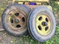 Tractor front wheels & tyres
