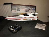 Nearly New RC 7008 Boat