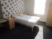 LARGE DOUBLE ROOMS TO LET - @ 3 FITZWILLIAM ST, UNIV ROAD, BELFAST, NO BILLS