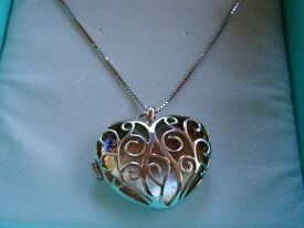 VICENZA STERLING SILVER 925 PIECED HEART LOCKET NEW BOXED