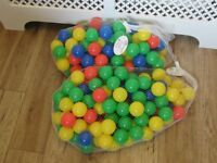 200 Small multi coloured plastic ball pit balls, children's outdoor toys and games