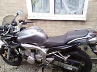 Yamaha FZ-6 Fazer 600 motorbike (06 plate)