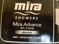MIRA ADVANCE THERMOSTATIC ELECTRIC SHOWER WHITE/CHROME 9KW