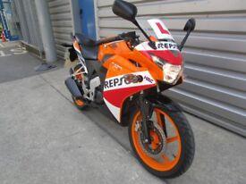 Honda CBR125R - Repsol Colours!