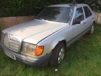 Mercedes 1988 E260 2.6 straight 6 export