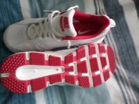 New Nike trainers size 6.5