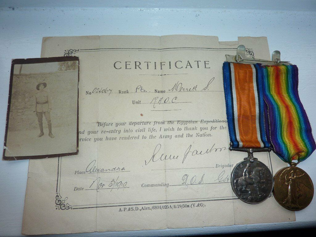 ww1 duo medals + photo - £70