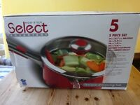 Meyer Select Advantage 5 piece Red non stick saucepan set brand new in box